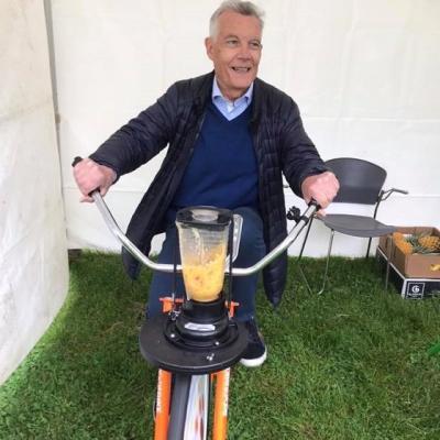 Faire des smoothies en pédalant à la journée vélo du 19 mai 2019